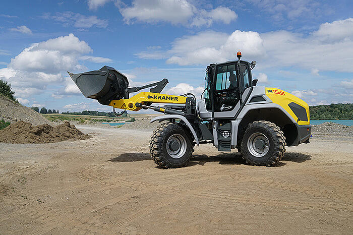 all-wheel steered wheel loader 8155 in action