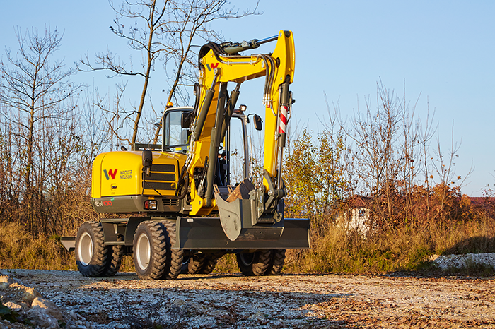 Wacker Neuson EW100 in action